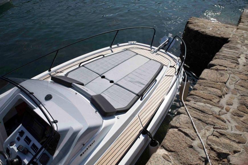 BENETEAU FLYER 8 SUNDECK, Pornichet Yachting