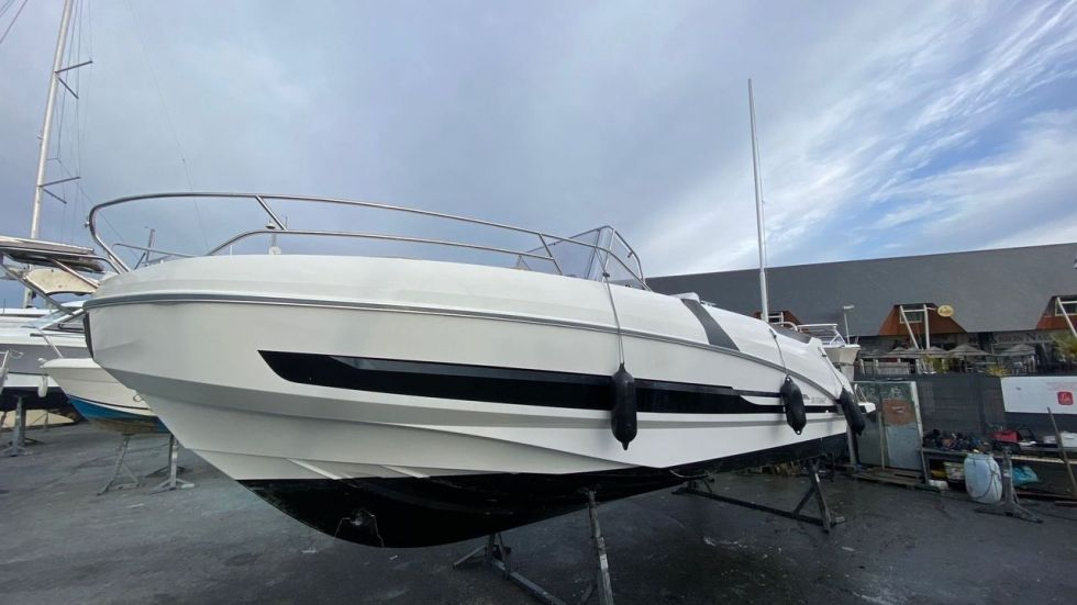 BENETEAU FLYER 8.8 SPACEDECK, Pornichet Yachting