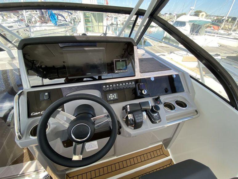 JEANNEAU CAP CAMARAT 10.5 WA, Pornichet Yachting